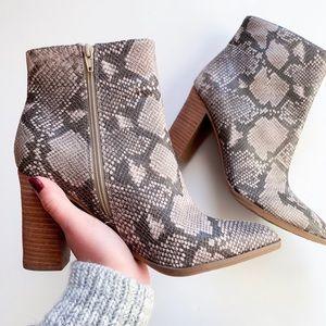 Carlos Santana Shoes - 🔥sale 🔥Snake print booties